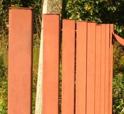 Столбик для сетки рабицы 40х40х1,5 h=2,0 м Столбик для сетки рабицы