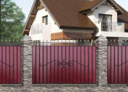 Кованый забор с металлопрофилем